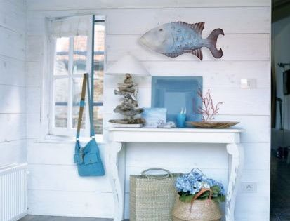 Great beach house decorating ideas on a budget about for Great home decor catalogs
