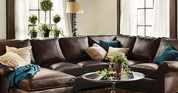 Brentwood 124 leather three piece sectional in matador for Almohadones para sillones