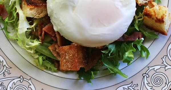 Poached Egg and Bacon Salad – Salad Lyonnaise ~ Traditional French ...