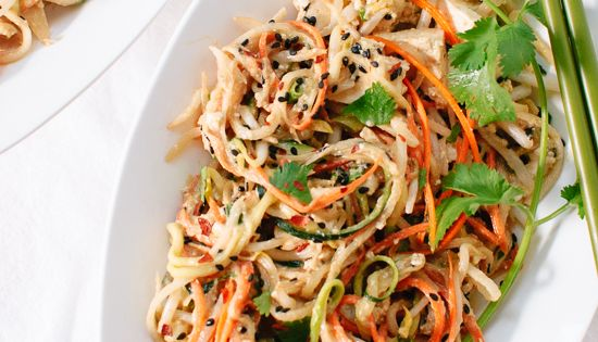 pad thai using raw vegetable noodles - but use chicken instead of