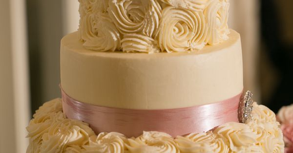 Pin By Bekah On My Blush Black And Ivory Wedding Pinterest Ivory Wedding Wedding Cake And