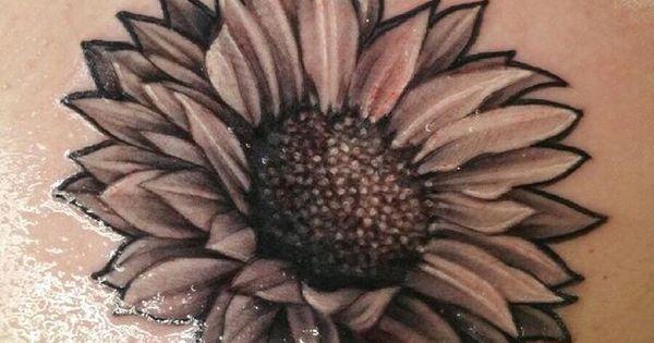 sunflower tattoo tattoos pinterest farben liebe und sonnenblumen tattoos. Black Bedroom Furniture Sets. Home Design Ideas