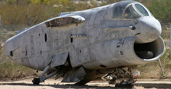 A-7 Corsair II | Flying Days are long gone | Pinterest ...