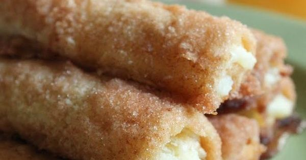Cinnamon Cream Cheese Roll-Ups ~ OMG, simple & so yummy... Sweetened Cream