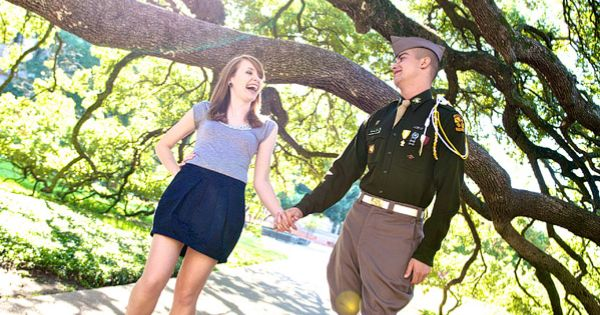 engagement photos- Texas A University Century Tree