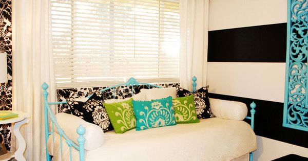 Great teen room! Love the striped wall
