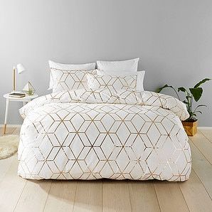 Fantastic Bedspread Solutions From Target This Great Harlow Quilt Cover Set Consists Of A Quilt Cover A Rose Gold Bedroom Gold Bedroom Black Bedroom Furniture
