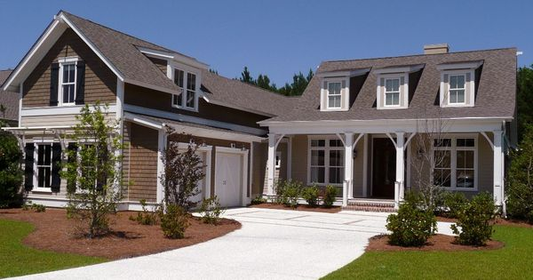 Southern style home there 39 s no place like home for Southern living detached garage plans