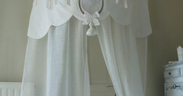 rideau ciel de lit en linge ancien et voile de lin feston ponpon et monogramme textiles. Black Bedroom Furniture Sets. Home Design Ideas