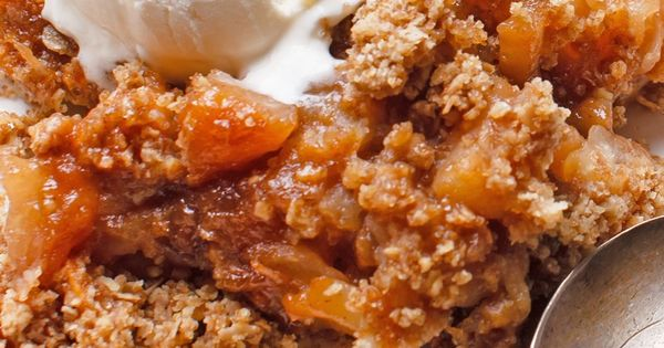 Slow Cooker Apple Brown Betty Recipe with Lemon Juice ...