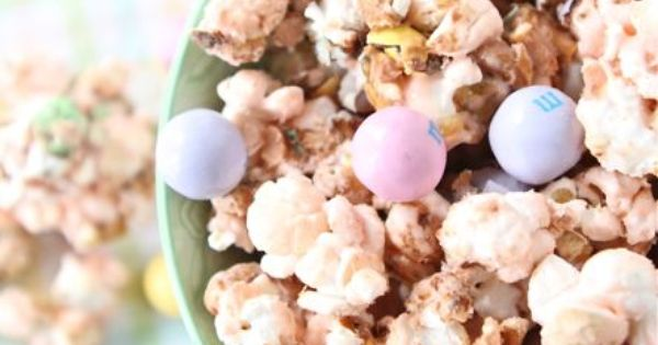 Salted Caramel Easter Popcorn ~ This sweet and salty popcorn treat is