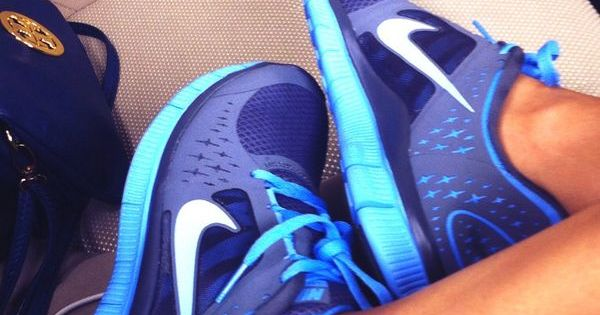 nike running shoes nike free run 5.0 nike free run shoes nike nike free run light blue dark blue blue tennis shoes nike free running shoes nike free 5.0 nike nike free run trainers running shoes sportswear athletic blue ombré blue nike nike air sportswea...