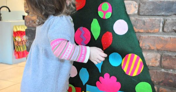 A felt tree for the baby to decorate & undecorate. Great idea