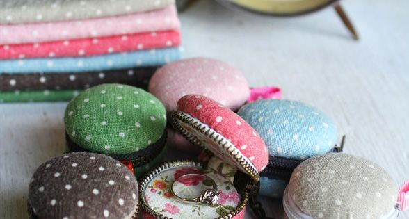 Macaroon Coin Purse~ Oh My Cuteness! I have no Idea what I