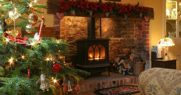 A Cosy Christmas in the Cottage looks like the fireplace we have