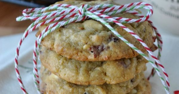 Pistachio Pudding Cookies- with Craisins, White Chocolate and Pistachios! Awesome website for