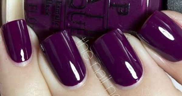 This Dark Purple nail color is perfect for this winter!