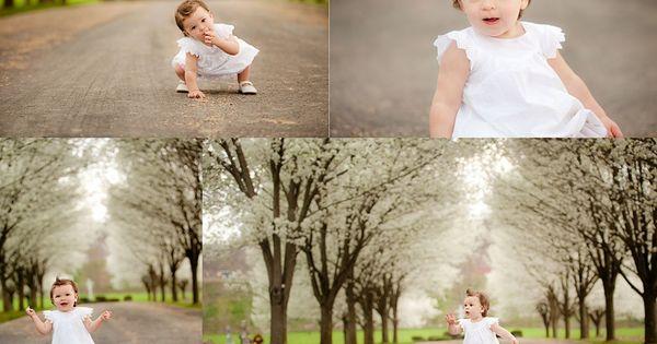 One year old baby girl photo shoot idea. So precious.