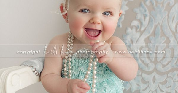 cute baby photo idea// baby girl + pearls