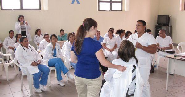Registered Nurses In Usa Registered Nurse Rn Nurse Training
