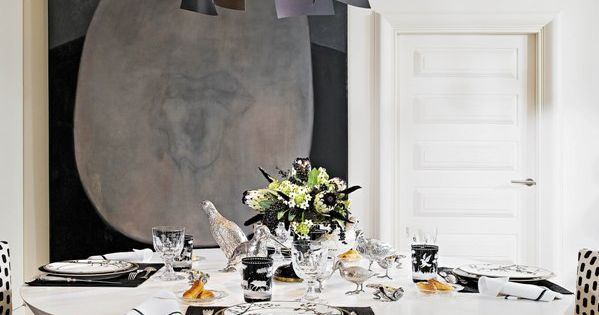 Elegant, eclectic dining room | Alberto Pinto, table settings
