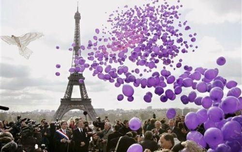 eiffel tower, purple paris