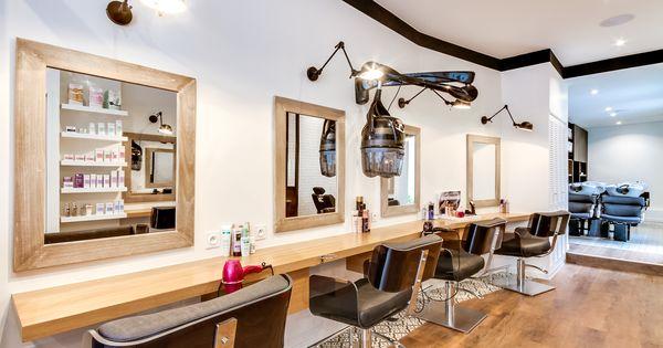 R novation totale salon coiffure paris un espace atypique tout en longueur qui joue avec les - Salon de coiffure qui recrute ...