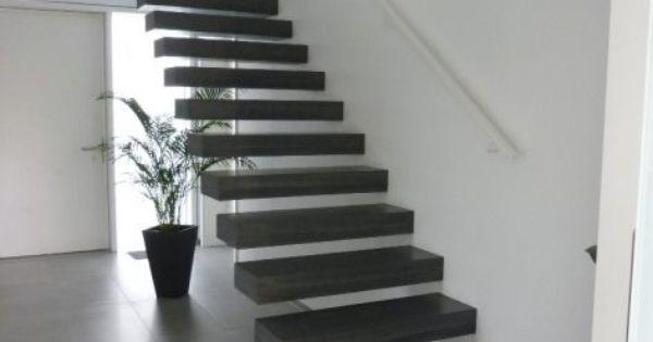 Betontreppen ein blickfang im haus moderne treppe for Modernes haus treppe