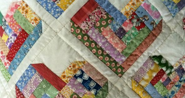 Pattern For Log Cabin Heart Quilt : log cabin heart quilt- something different A Sewing Tutorial HOARDER Pinterest Summer ...