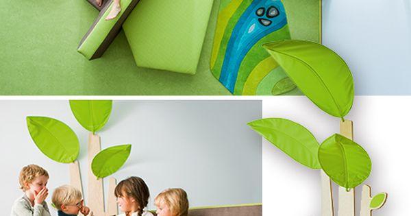 Das gr te sofa der welt zusammen mit weichschaumpodesten for Raumgestaltung tagesmutter