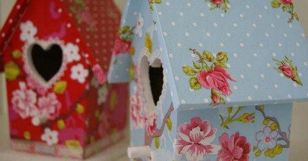 Lieve vogelhuisjes met pip behang leuk op de baby of kinderkamer behang verkrijgbaar bij deco for Kinderkamer deco