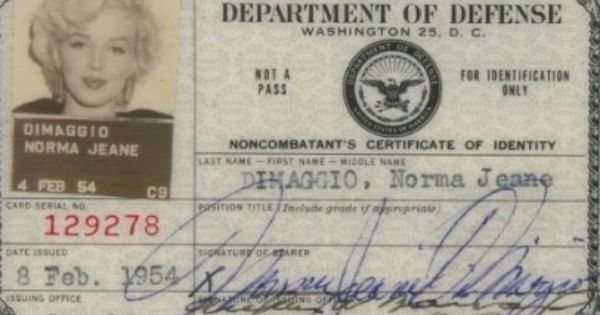 Marilyn Monroe S Department Of Defense Id Card For Her Uso Tour In Korea To Entertain The Troups Notice She Liste Marilyn Monroe Marilyn Monroe Photos Marilyn