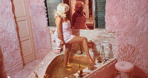 Jayne Mansfield Pink Bathroom With Heart Shaped Bath Sex