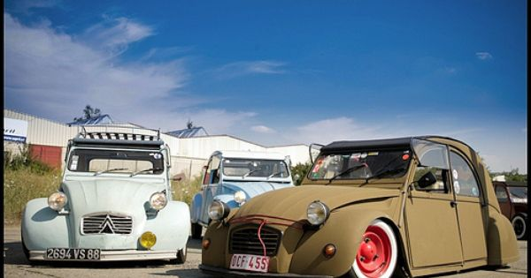 2cv Low Riders I Don T Know Why But I Have A Thing For 2cv S So Do I It S Called A Scrapyard Citroen 2cv Citroen Citroen Traction Avant