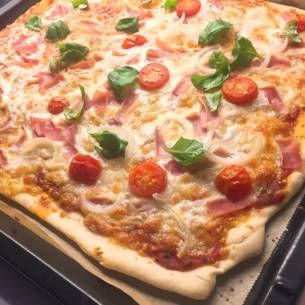 tunn pizzadeg utan jäst