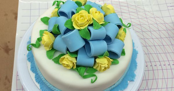 Cake Decorating Classes Chattanooga Tn : Wilton course 3 final cake, with fondant on top and inside ...