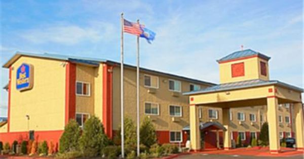 Dog Friendly Hotel In Shakopee Mn Best Western Plus
