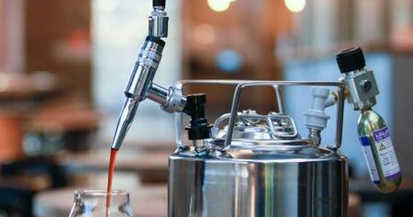 Siphon Coffee Maker Nz : Jacked-Up? Nitro Cold Brew Keg System Presents Pinterest Cold brew and Shops