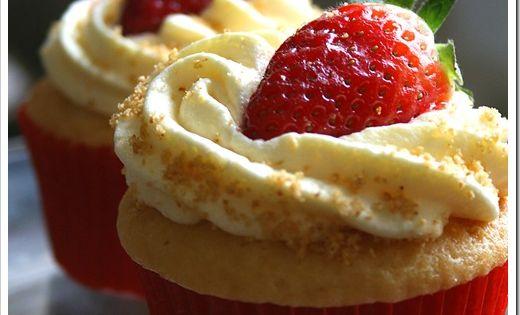 Strawberry Cheesecake Cupcakes recipes dessert treats