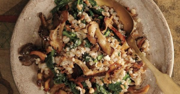 Creamy Farro Pilaf with Wild Mushrooms | Crisp roasted mushrooms add texture