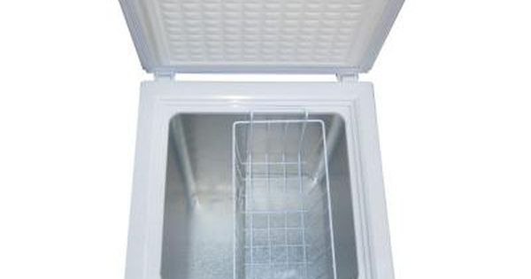 Magic Chef 3 5 Cu Ft Chest Freezer In White Hmcf35w2 The Home