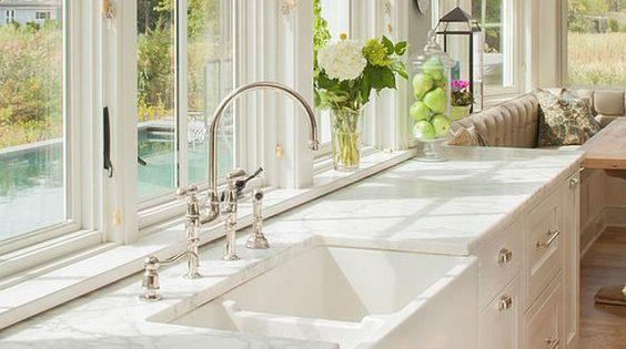 Looks to Love: 50+ Farmhouse Sinks  부엌 아이디어, 부엌 및 집 디자인