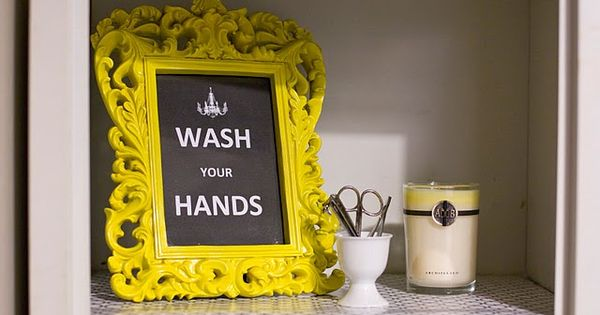 Guest bathroom. Regal was ur hands frame