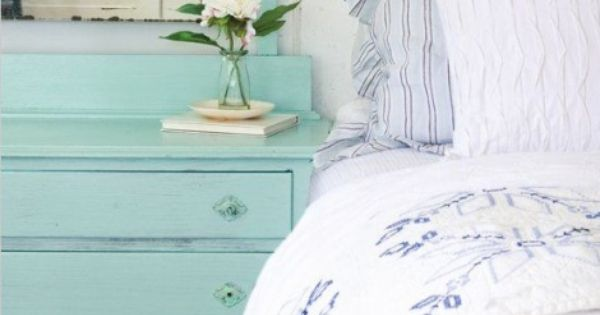 Love this shabby chic dresser/bedside table
