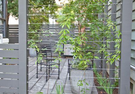 Wire trellis screen cabane pergola terrasse serre pinterest jardins c ble et poteaux de - Cloture jardin bekaert besancon ...