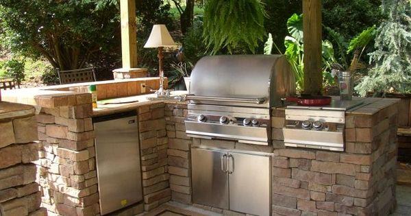 Barbecue fixe fonctionnel et esth tique dans le jardin for Le jardin moderne