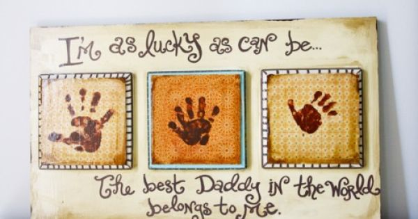 32 Homemade Father's Day gifts - love the different hand prints Using