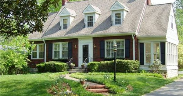 I love cape cod homes great remodeling design ideas for Cape cod siding ideas