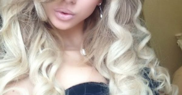 Love Her Hair Fabulous Curly Hairstyle Hairstyles Pinterest Curly Hairstyles Blondes And