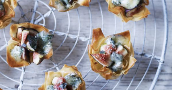 Blue cheese and fig tarts recipe canapes figs and fig for Blue cheese canape